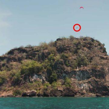 Nick Jacobsen se lanza al mar desde 84 metros de altura.