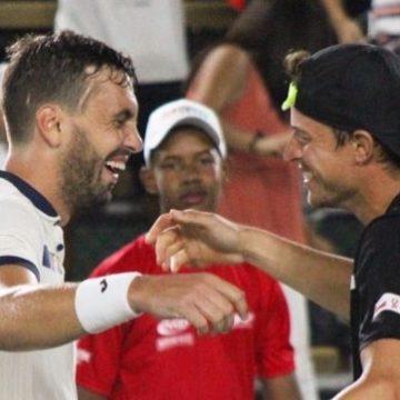 Hernández y Gómez triunfan en dobles.