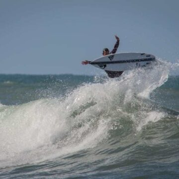 Así volvió el surf en las costas bonaerenses