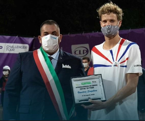 Alemán Yannick Hanfmann gana Challenger de Todi, Italia
