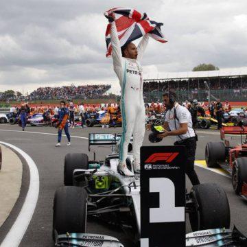 Hamilton gana la batalla de los Mercedes en GP de Toscana