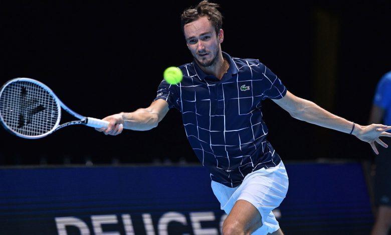 Medvedev derrota a Djokovic y pasa a semifinal en el torneo de «Los Mejores 8» Nitto ATP Final 2020