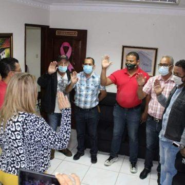 """MIDEREC hace """"El Cambio"""" de autoridades y promete construcción del play en Ocoa"""