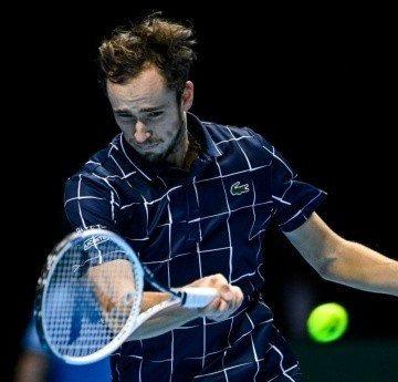 Medvedev derrota a Schwartzman y llega invito a semifinal del Nitto ATP Final 2020