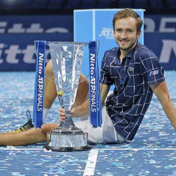 Medvedev hace historia al ganar Invicto Nitto ATP Final 2020 venciendo en el camino a los tres mejores del ranking mundial