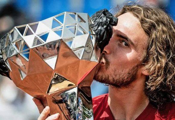 Tsitsipas sigue indetenible con título en LYON 2021