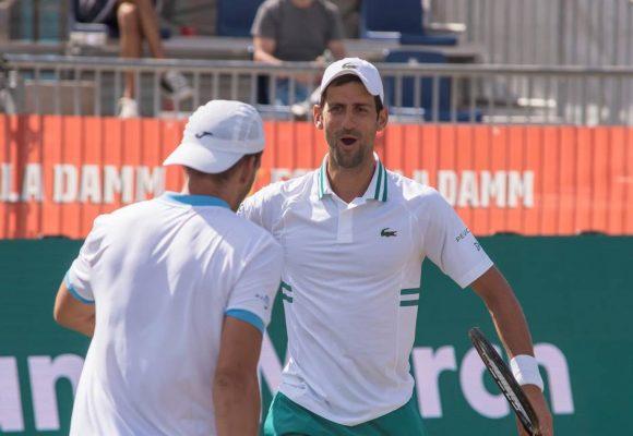 Djokovic sigue demostrando dotes de doblista en Mallorca