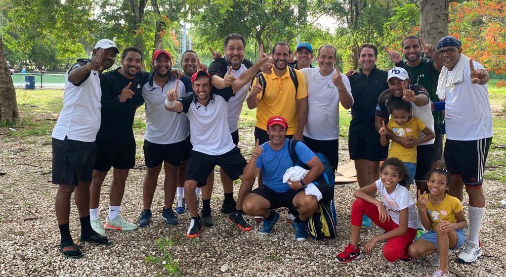 «Saltamontes» vuelve a ganar Team Tennis RD