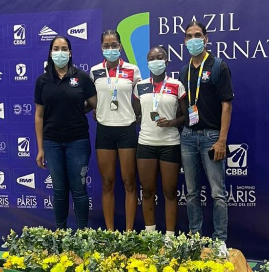 Pie y Acosta ganan Bronce en bádminton de Brasil